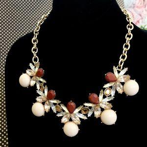 NEIMEN MARCUS Cabochon burgundy statement necklace